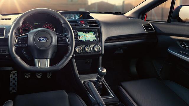 2015 Subaru WRX STI İç Dizayn